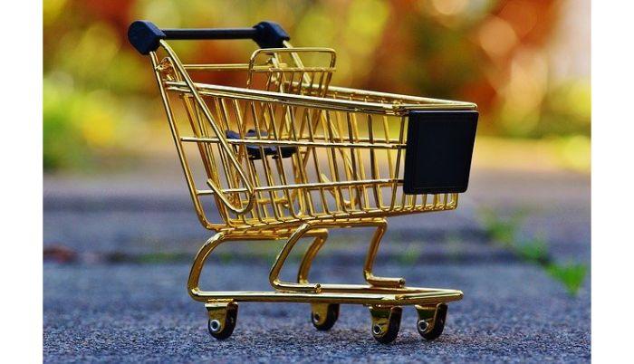 スーパーのエンド売り場の役割